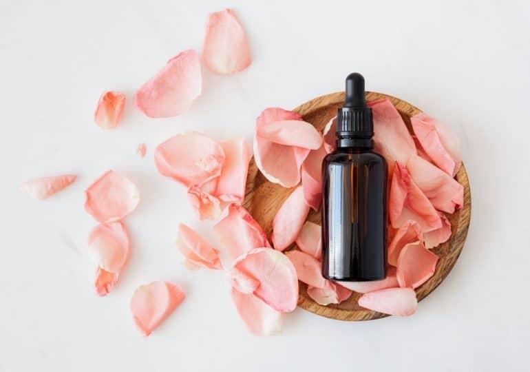 Te olejki eteryczne poprawią Twój nastrój i samopoczucie