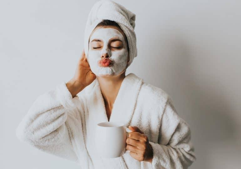 6 typowych błędów w pielęgnacji skóry, które każda kobieta powinna natychmiast naprawić