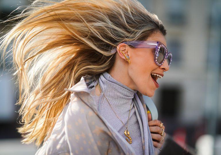 Jakie kosmetyki wzmocnią słabe włosy?