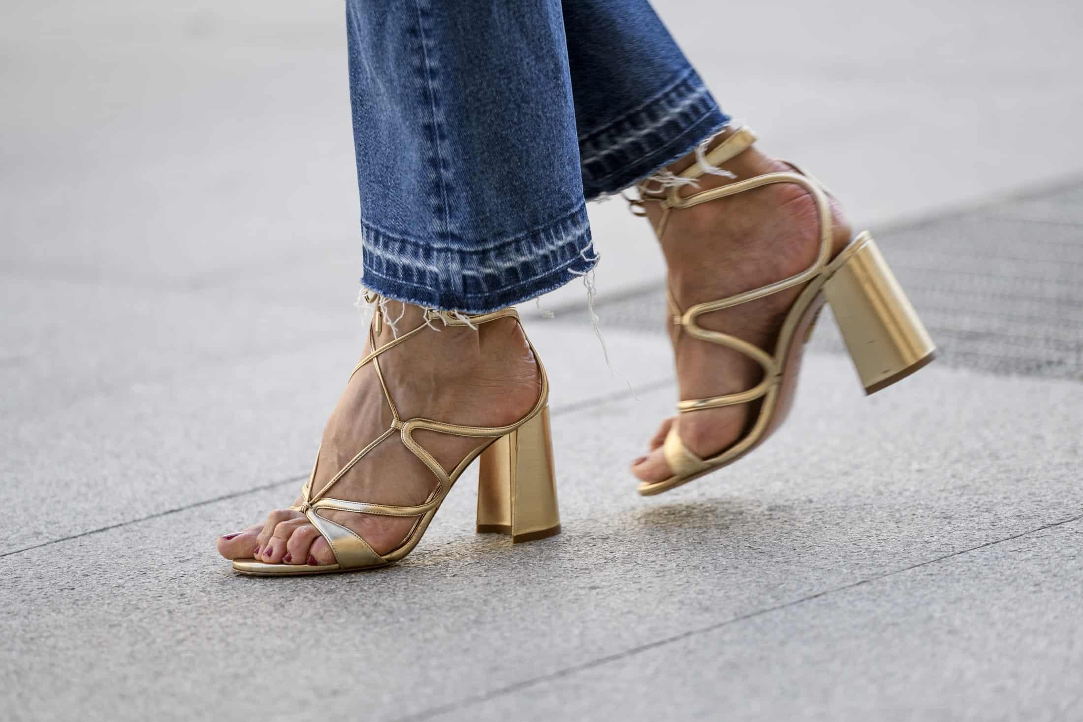 3 modne modele sandałów na lato