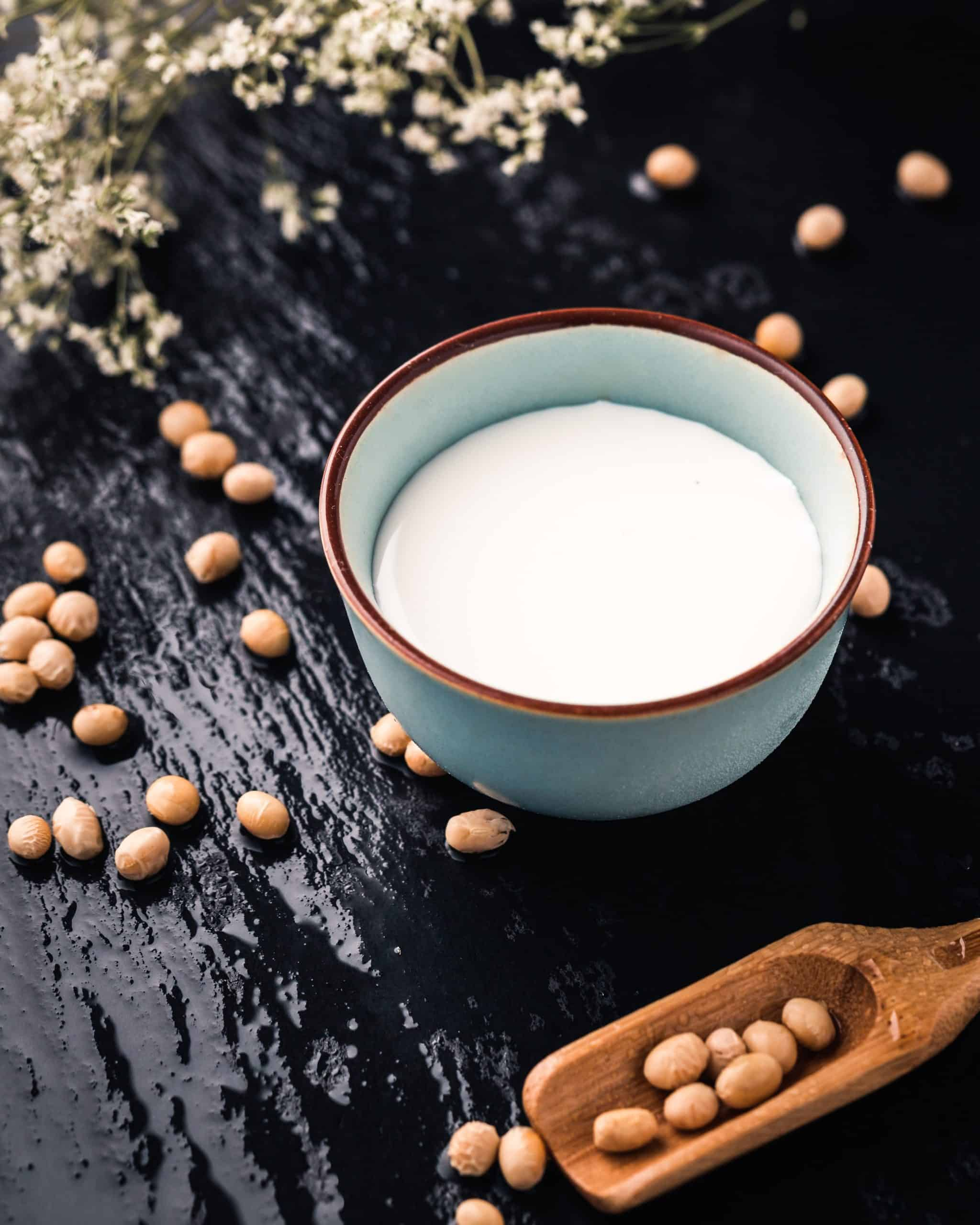Które mleko roślinne jest najzdrowsze? Sprawdzamy
