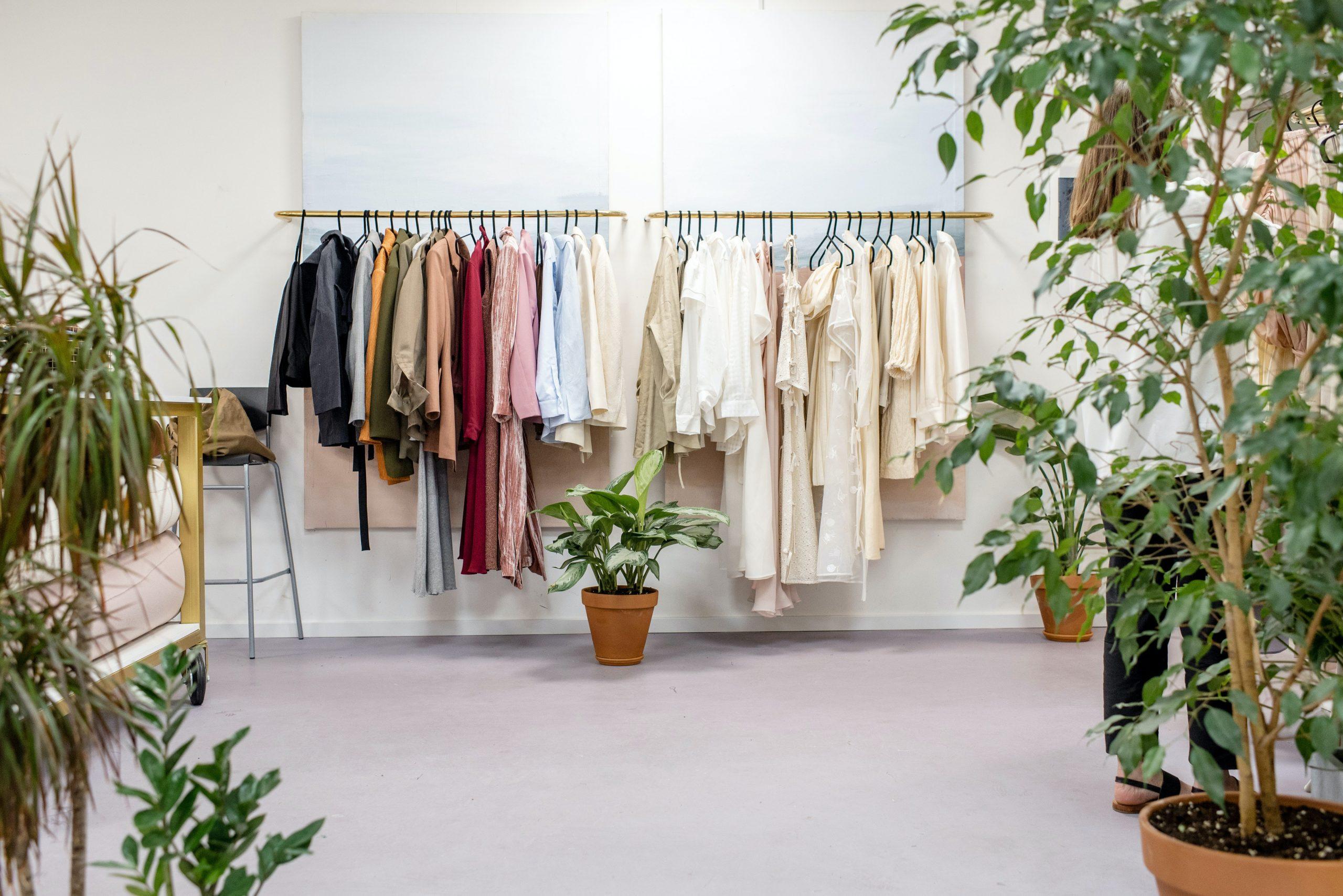 Co przemawia na korzyść zakupu markowych ubrań i butów?