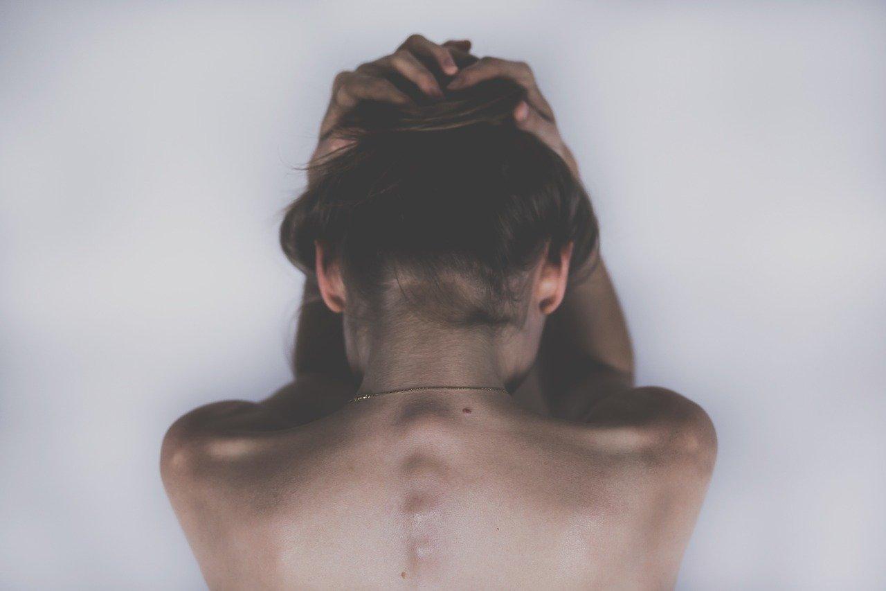 Czy wiesz, jakie informacje na temat Twojego zdrowia wysyła skóra głowy?